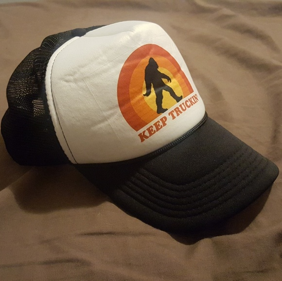 Keep truckin sasquatch trucker hat. M 5a81125c31a3769787ac05b3 264038cd3c1